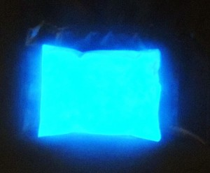 glow-in-the-dark-blue-pigments