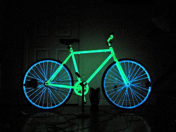 plasti-dip-blue-glow